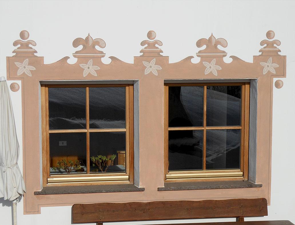 Decorazione gotica finestra - Decori per finestre esterne ...